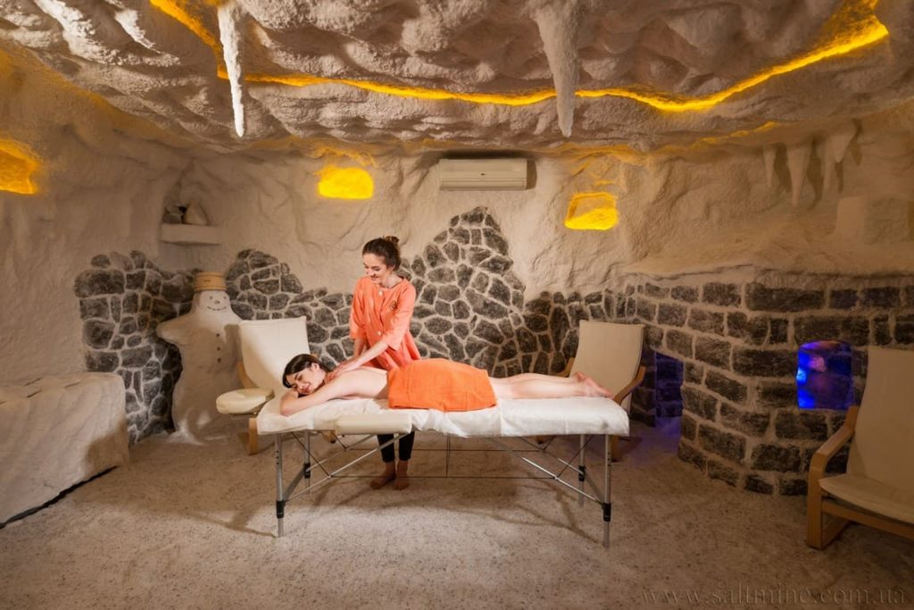 Соляная комната и массаж.